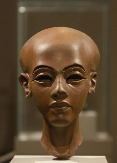 Limestone portrait of a princess from Amarna. New Kingdom, 18th Dynasty, circa 1340 BC, Amarna. Collection now in Berlin, Neues Museum.