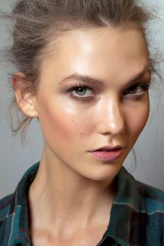 Lovely hydrated summer skin on Karlie. ~