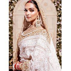 ✨✨✨ Throwback to in Mumbai. Indian Bridal Lehenga, Indian Bridal Fashion, Pakistani Bridal, Bridal Sarees, Indian Celebrities, Bollywood Celebrities, Bollywood Fashion, Indian Wedding Theme, Desi Wedding