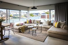 As the name would suggest Keerweer Canal House is idyllically located to take full advantage of the unique tidal canal system in St Francis Bay.