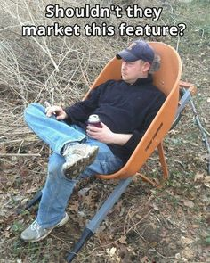 More people would replace their old rusty wheelbarrows if they did market this feature! Dump A Day Funny Pictures Of The Day - 81 Pics Lol, Haha Funny, Funny Jokes, Funny Stuff, Funny Things, Funny Minion, Dad Jokes, Funny Moments, Ideas