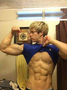 center-admirals-handsome-blond-muscular-twink-galleries-young-couple