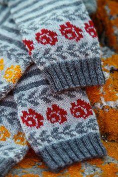 Ravelry: Longing for Gotland pattern by Pia Kammeborn Fingerless Mittens, Knit Mittens, Knitting Socks, Hand Knitting, Knitting Patterns, Crochet Woman, Knit Crochet, Fair Isle Knitting, Colorful Socks