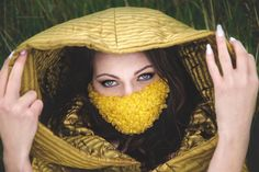 clothing designer: AgaaK Fashion mouth mask designer: Kitsch Me Vintage makeup & hair: Ana Inga model: Kamila Januszewska assistant: Hekta Burnz photo PHOTOBARA