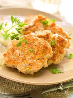 Meatballs with cheese and cauliflower - Le Polpette filanti al cavolfiore sono un'ottima alternativa a quelle tradizionali. Saporite e sfiziose, conquisteranno il palato di tutta la famiglia. #polpettealcavolfiore
