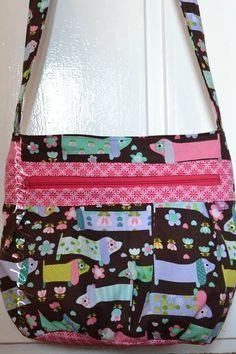eine Kira von Annika aus hübschen Stoffen mit Dackeln und pink  http://tuedelluett.blogspot.de/