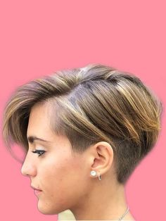 30 Attractive Chic Undercut Hairstyles Designs to try this Summer - Page 24 of 30 - ShowmyBeauty Undercut Hairstyles Women, Pixie Hairstyles, Vintage Hairstyles, Cool Hairstyles, Updo Hairstyle, Wedding Hairstyles, Shaved Hairstyles, Pixie Haircuts, Popular Short Hairstyles