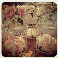 Bird cage centre pieces with flowers and pearls Wedding Table Centerpieces, Flower Centerpieces, Wedding Decorations, Table Decorations, Bird Cage Centerpiece, Centerpiece Ideas, Diy Wedding, Rustic Wedding, Wedding Flowers
