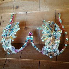 Iridescent gems with touch of teal #gingerwirebras #samba