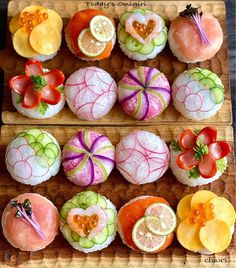 Vegan Dinner Party, Sushi Platter, Sushi Buffet, Japanese Food Sushi, Cucumber Recipes, Taiwan Food, Sushi Art, Food Decoration, Food Platters