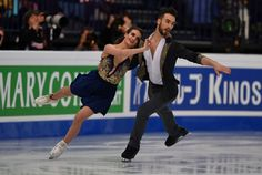 Gabriella Papadakis and Guillaume Cizeron of France compete in the ice dance/short dance event at the ISU World Figure Skating Championships in Helsinki, Finland on March 31, 2017... / AFP PHOTO / Daniel MIHAILESCU