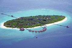 #AdaaranSelectMeedhupparu, surrounded by the shimmering lagoon in shades of turquoise and shimmering azure blue, experience tranquility and peace at laid-back comforting 4-star resort. Spend your holidays in #AdaaranSelectMeedhupparu. For more info, Visit: https://tmtmaldives.com/resorts/adaaran-select-meedhupparu/ https://tmtmaldives.com/
