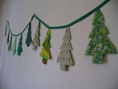 Christmas Tree Garland, Noel Christmas, Christmas Fabric, Homemade Christmas, Simple Christmas, Xmas Trees, Christmas Banners, Christmas Ideas, Christmas Sewing Projects