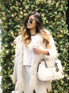 #OOTD: Monochromatic White – ShamiraSolana Paris Outfits, Winter Outfits, Outfit Ideas, Ootd, Shoulder Bag, Bags, Fashion, Paris Clothes, Handbags
