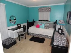 shabby chic turquoise and black girl's bedroom - would love this for my daughter's room! Teenage Girl Bedrooms, Teen Bedroom, Dream Bedroom, Home Bedroom, Bedroom Decor, Bedroom Ideas, Bedroom Wall, Bedroom Turquoise, Daughters Room