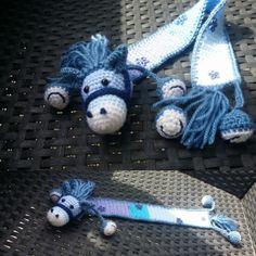 Enhjørning bogmærke af Birgit Nielsen Crochet Bookmark Pattern, Crochet Bookmarks, Crochet Books, Diy Crochet, Crochet Patterns, Book Markers, Pin Cushions, Teacher Gifts, Wool