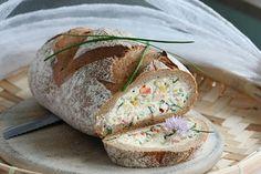 Di ricotta e erba cipollina pane di segale Riempito