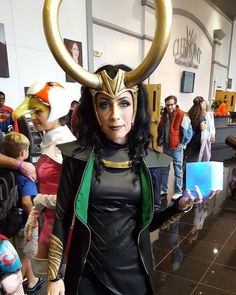 This is an epic Lady Loki cosplay.  I love the glowing Tesseract. #marvelcosplay #marvel #loki