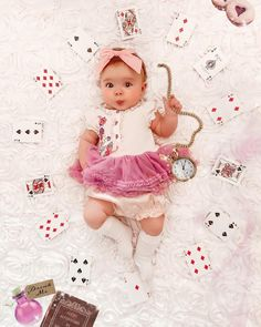 Imagination is the only weapon in the war against reality. Cute Baby Videos, Cute Baby Photos, Baby Girl Pictures, Newborn Baby Photos, Baby Girl Newborn, Mother Baby Photography, Funny Baby Photography, Newborn Baby Photography, Monthly Baby Photos