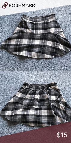 American Eagle Plaid Skirt Adorable mini skirt with elastic waistband. Only worn a few times. Also selling on ♏️ American Eagle Outfitters Skirts Mini