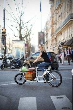 May or may not be a terrible idea. The Messenger V2 and Traveller V2 cargo bikes from French company Douze Cycles are designed as versatile platforms for riders living in crowded urban places with limited storage space.