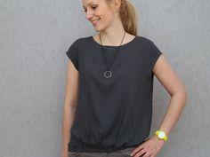 FrauNINA - lässige Bluse mit Saumfalten und 2 Ärmellängen - Schnittmuster und Nähanleitungen bei Makerist