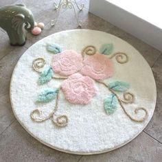 Alessia Yuvarlak Banyo Halısı Riva Krem Brazilian Embroidery, Rug Hooking, Handicraft, Hand Embroidery, Punch, Carpet, Kids Rugs, Home Decor, Farmhouse Rugs