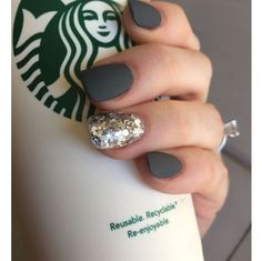 Dark gray matte on squoval nails. Dark gray matte on squoval nails. The post Dark gray matte on squoval nails. & appeared first on Fall nails . Love Nails, How To Do Nails, Fun Nails, Gorgeous Nails, Grey Matte Nails, Dark Grey Nails, Silver Glitter Nails, Matte Black, Sparkly Nails