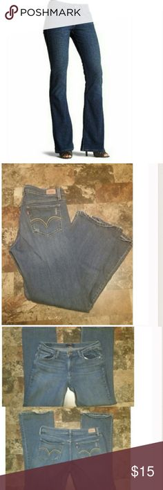 """Levi's 518 Super Low Jeans First pic of model wearing this style of Jeans. Last 3 pics are of actual item/color. The Size is 13 Short. BootCut. Laying flat """"17 (waist 34). Leg Opening """"9.5. Inseam """"30. Rise """"10. Length """"39. This item is NOT new, It is used and in Good condition. Authentic and from a Smoke And Pet free home. All Offers through the offer button ONLY.  Ask any questions BEFORE purchase. Please use the Offer button, I WILL NOT negotiate in the comment section. Thank You😃 Levi's…"""
