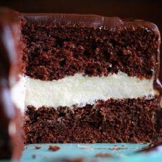 Magic Chocolate Cake, Chocolate Avocado Cake, Chocolate Stout Cake, Decadent Chocolate Cake, Decadent Cakes, Chocolate Lovers, Chocolate Desserts, Best Cake Recipes, Dessert Recipes