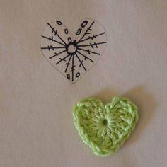 Little heart chart Crochet Bookmark Pattern, Crochet Jewelry Patterns, Crochet Hair Accessories, Crochet Bookmarks, Crochet Flower Patterns, Crochet Flowers, Kawaii Crochet, Crochet Art, Crochet Motif
