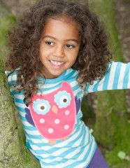 This is a very cute piece to add to the little one's wardrobe. With a cute owl appliqué design it's perfect for splashing in puddles, woodland walks and general day to day fun. 100% cotton makes this super cosy for your little stars.
