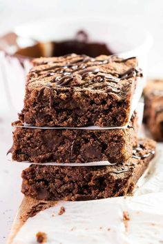 These Chocolate Chickpea Brownies are a rich, fudgy chocolate dessert treat. They're perfect if you love having a daily sweet treat as they are sugar free, quick to make and generously sized. No more sugar highs with store bought brownies, these are the healthier alternative you've been looking for. Chickpea Brownies, Baking Tins, Brownie Recipes, Chocolate Desserts, Clean Eating Recipes, Low Carb Recipes, Sugar Free, A Food, Food Processor Recipes