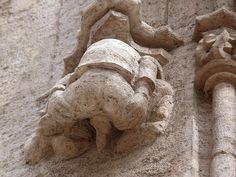 Estatua de la Lonja de la Seda (Valencia) www.elrincondesele.com by josemiguel_80, via Flickr