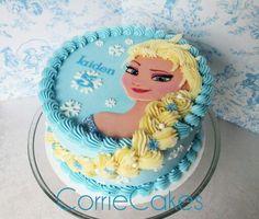 The Perfect Birthday Cake Decorating Class Bolo Frozen, Disney Frozen Cake, Frozen Theme Cake, Disney Cakes, Elsa Frozen, Elsa Elsa, Frozen Birthday Party, Elsa Birthday Cake, 4th Birthday