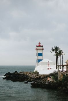 When visiting Lisbon drive for a day trip to #Cascais! A beautiful city in #portugal next to the coast.