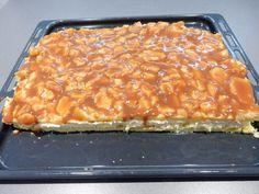Větrník na plechu Apple Desserts, Sweet Desserts, Sweet Recipes, Cake Recipes, Dessert Recipes, Slovakian Food, No Bake Cake, Macaroni And Cheese, Food And Drink