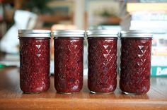 Need a bright, flavorful jam for holiday giving? This recipe combines frozen berries with a small amount of fresh cranberries, for a well-set, flavorful preserve. Jelly Recipes, Jam Recipes, Canning Recipes, Recipies, Mixed Berry Jam, Mixed Berries, Mix Berry, Frozen Fruit, Frozen Strawberries