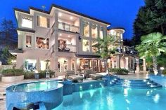 gorgeous backyard pool and AMAZING HOUSE (: my dream home!