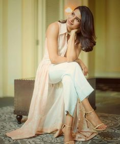 Samantha Ruth prabhu cute and hot bollywood Indian actress model unseen latest very beautiful and sexy images of her body curve south ragalh. Samantha Photos, Samantha Ruth, Sonam Kapoor, Deepika Padukone, Celebrity Magazines, Hollywood Heroines, Alexandra Daddario, South Indian Actress, South Actress