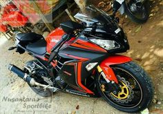 When KYB Inverted Fork X-Yamaha YZF-R6 fitted on Kawasaki Ninja 250FI. The Gold Fork look Challanging.