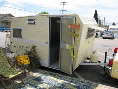 1965 Aristocrat Lo Liner yellow trailer