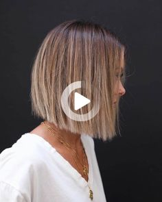 All the women who really want to wear best ever styles of bob cuts they must check out the best ever styles of blunt bob cuts with balayage shades. Enhance your beauty with these unique bob look in Bob Haircut For Fine Hair, Cute Hairstyles For Medium Hair, Short Hair With Bangs, Medium Hair Styles, Short Hairstyles For Women, Short Hair Styles, Haircut Bob, Platinum Blonde Hair, Light Brown Hair