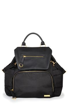 Free shipping and returns on Skip Hop 'Chelsea' Diaper Bag Backpack at Nordstrom.com. Easily organize all of your and your little one's essentials in a streamlined, downtown-chic backpack that's as effortlessly fashionable as it is practical.
