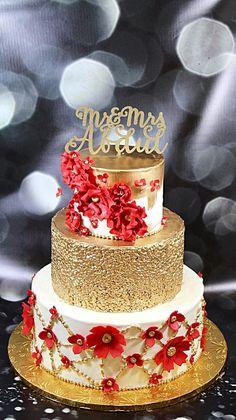 Red Velvet Wedding Cake, 3 Tier Wedding Cakes, Amazing Wedding Cakes, Elegant Wedding Cakes, Wedding Cake Designs, Birthday Present Cake, Gold Birthday Cake, 50th Anniversary Cakes, Wedding Cake Fresh Flowers