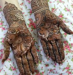Simple and Stunning Mehndi Design for Every Occassion, Unique Pieace of Mehndi Design that increase your Hand Beauty - Fashion Khafif Mehndi Design, Mehndi Designs Feet, Latest Bridal Mehndi Designs, Mehndi Designs 2018, Henna Art Designs, Mehndi Designs For Beginners, Mehndi Designs For Girls, Mehndi Design Photos, Wedding Mehndi Designs