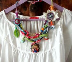 Metal Beads, Metal Chain, Textiles, Fabric Jewelry, Fabric Flowers, Fiber Art, Crochet Necklace, Wool, Trending Outfits