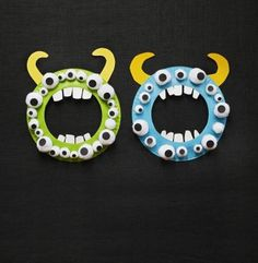 Our monstrous wreath will keep an eye (or ten)on your kids. Cut the flat center from a plain white paper plate. Cut teeth from the center. Paint the outer piece of the plate and let it dry. Glue the teeth to the inside of the ring. Glue on white pom-poms, then glue black paper circles for pupils on the pom-poms. Cut out and glue on two yellow paper horns.