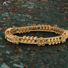 Handmade Jewellery - A Lovely Personal Christmas Present Gold Bangles Design, Gold Jewellery Design, Handmade Jewellery, Bridal Jewellery, Hand Jewelry, Jewelry Sets, India Jewelry, Gold Jewelry Simple, Silver Jewelry