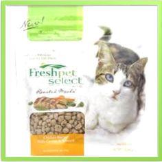 My cat loves Freshpet select roasted meals, tender bites of fresh chicken. #Freshpet #FreshpetDogFood #FreshpetReviews